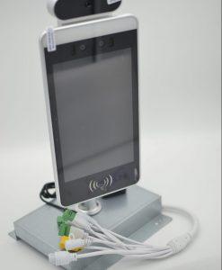 Medidor de temperatura y de presencia